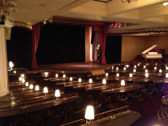 Hansa teater scen