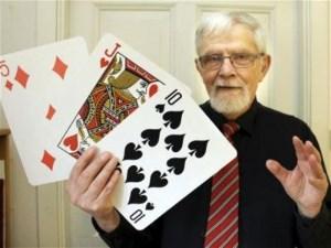 mister-junior-berattar-en-historia-med-jattekort