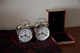 clock_and_shell
