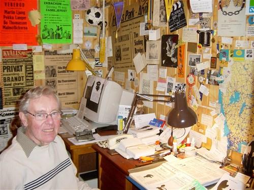 Bo Thomasson vid skrivbordet 2007