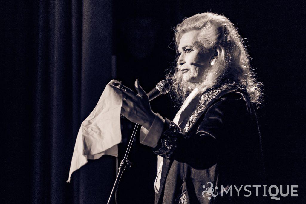 Kvinnlig trollkarl Fay Presto